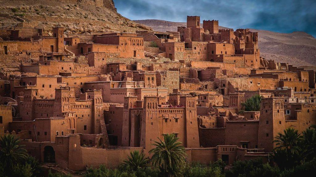 Las casas rojizas de adobe amuralladas de Ait Ben Haddou son una estampa icónica de Marruecos.