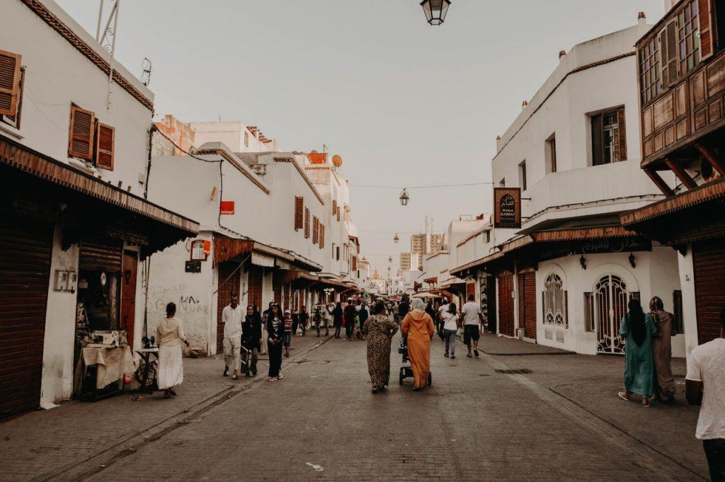 Las calles de Marruecos suelen ser seguras, aunque no está de más prevenir hurtos con un seguro.