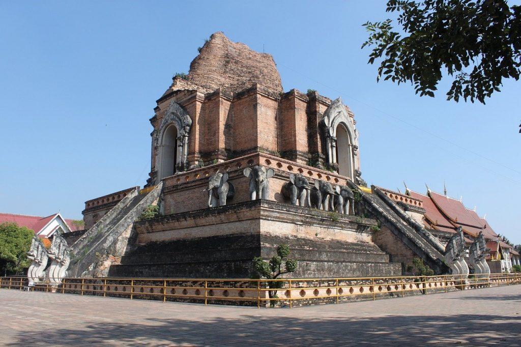 El Wat Chedi Luang es uno de los templos más antiguos de Chiang Mai.